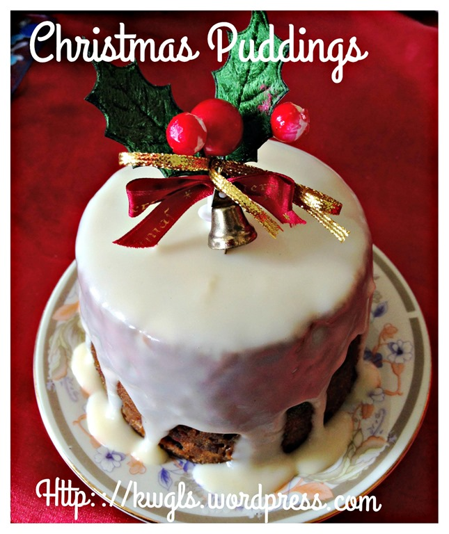 Quick and easy christmas puddings with brandy sauce for Easy xmas pudding